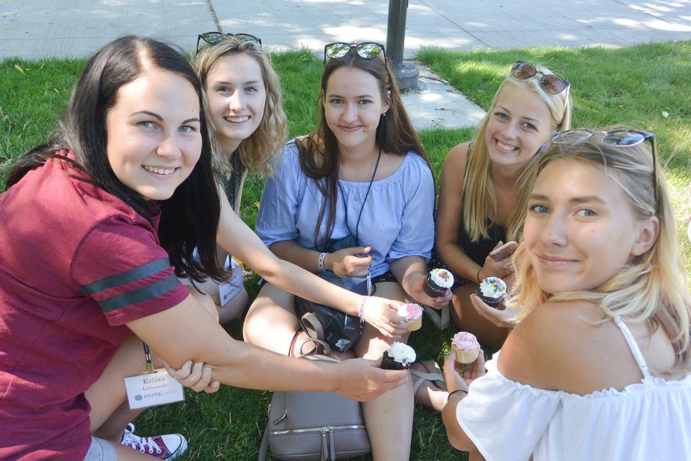 Karjera pagaidīs! Baudām Amerikas saldumus piknikā Sietlā.