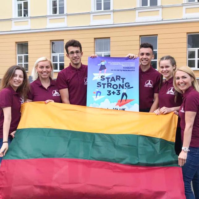 Jauniešu karjeras konkursa uzvarētāji no LIetuvas.