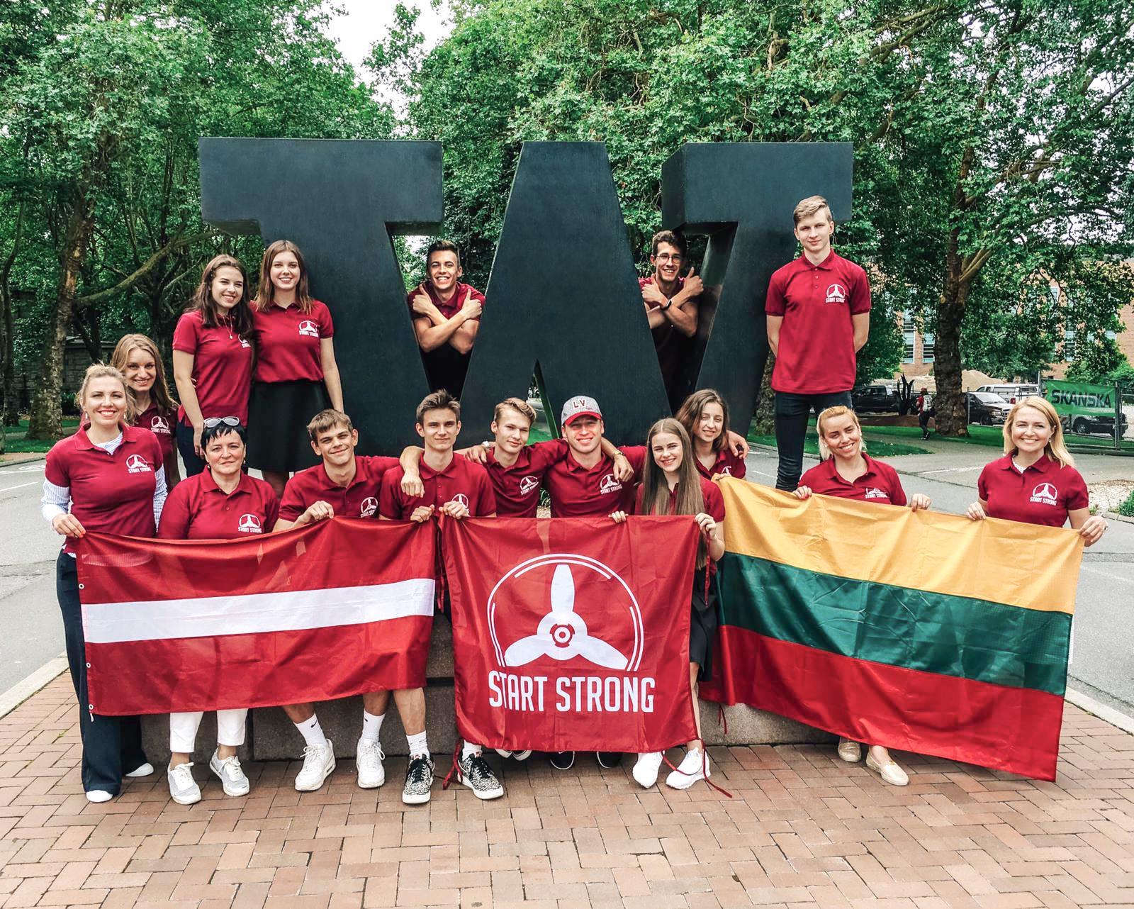 Start Strong 3+3 jauniešu karjeras nometne Sietlā, ASV.