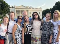 Karjeras nometnes dalībnieki apciemo Vašingtonu un Balto namu.